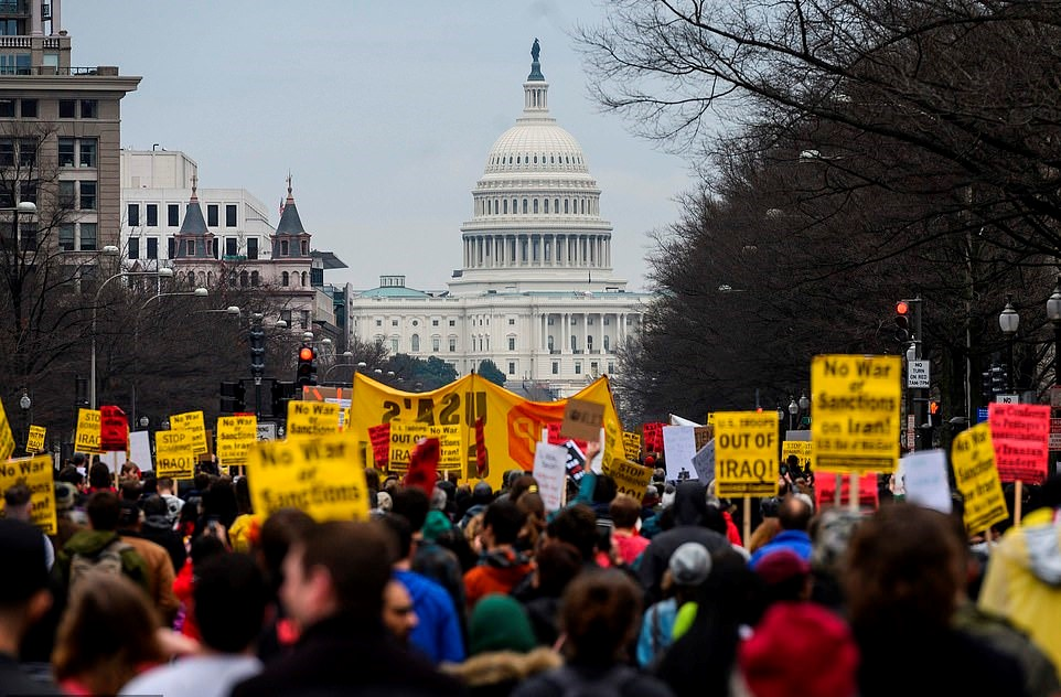 Demonstracije u Washingtonu, od Bijele kuće do Trumpovog hotela - protivljenje intervencionističkoj politici SAD-a na Bliskom istoku i osuda atentata na generala Sulejmanija; 4.1.2020